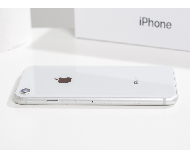 iPhone 8 64gb, Silver б/у