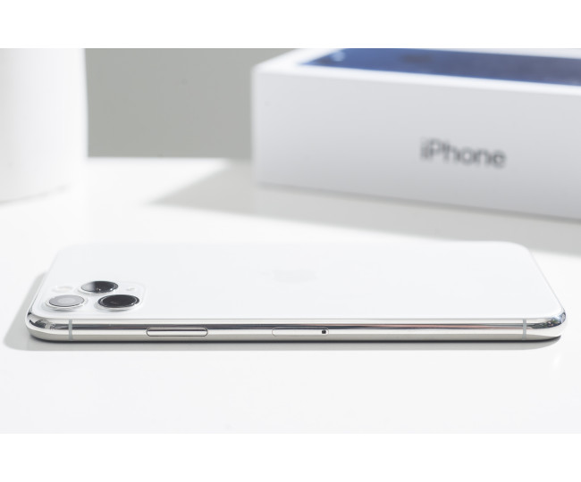 iPhone 11 Pro Max 256gb, Silver (MWH52) б/у