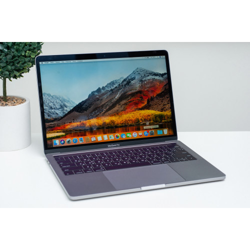 Apple MacBook Pro 13  Touch Bar (MUHP2) 256Gb Space Gray б/у