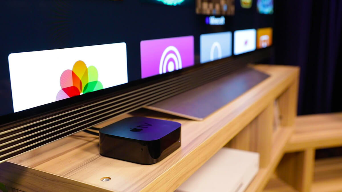 Apple TV с телевизором